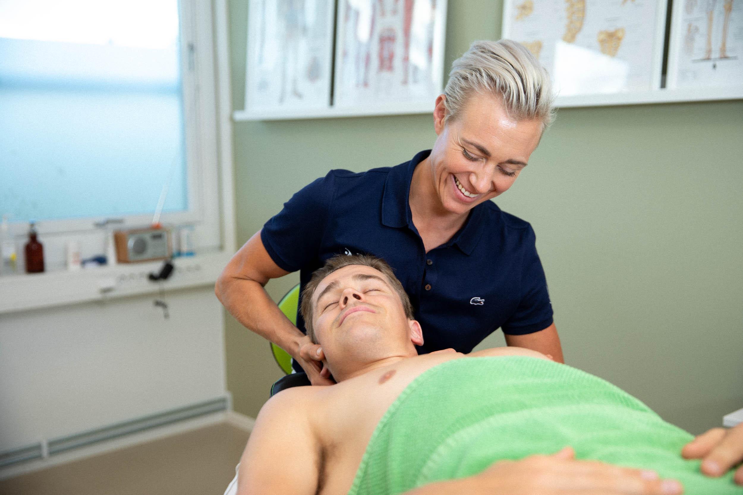 migrene behandling nakke undersøkelse