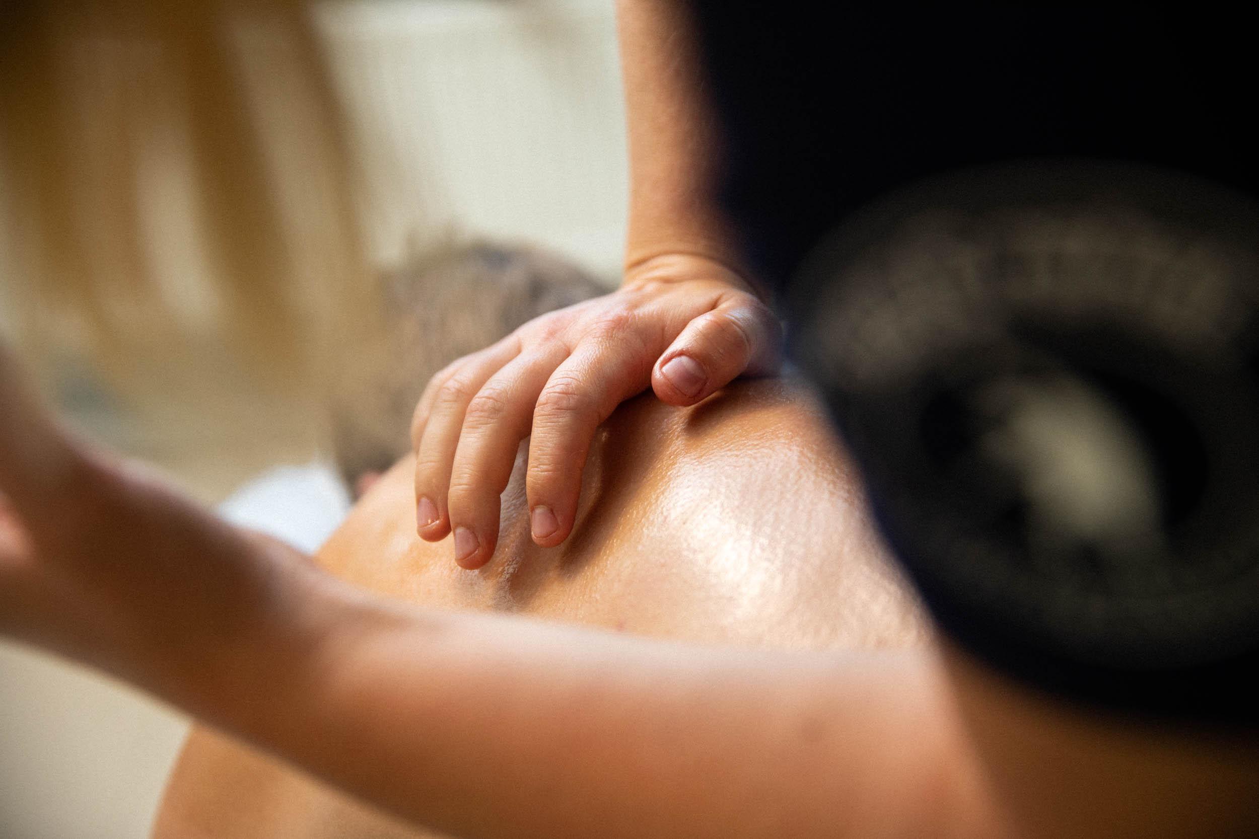 brystrygg behandling massasje